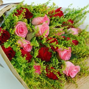 【巧繪網—浪漫花束花禮】FR040132 網路花店‧雅典步道‧雙色玫瑰花束+當季花材