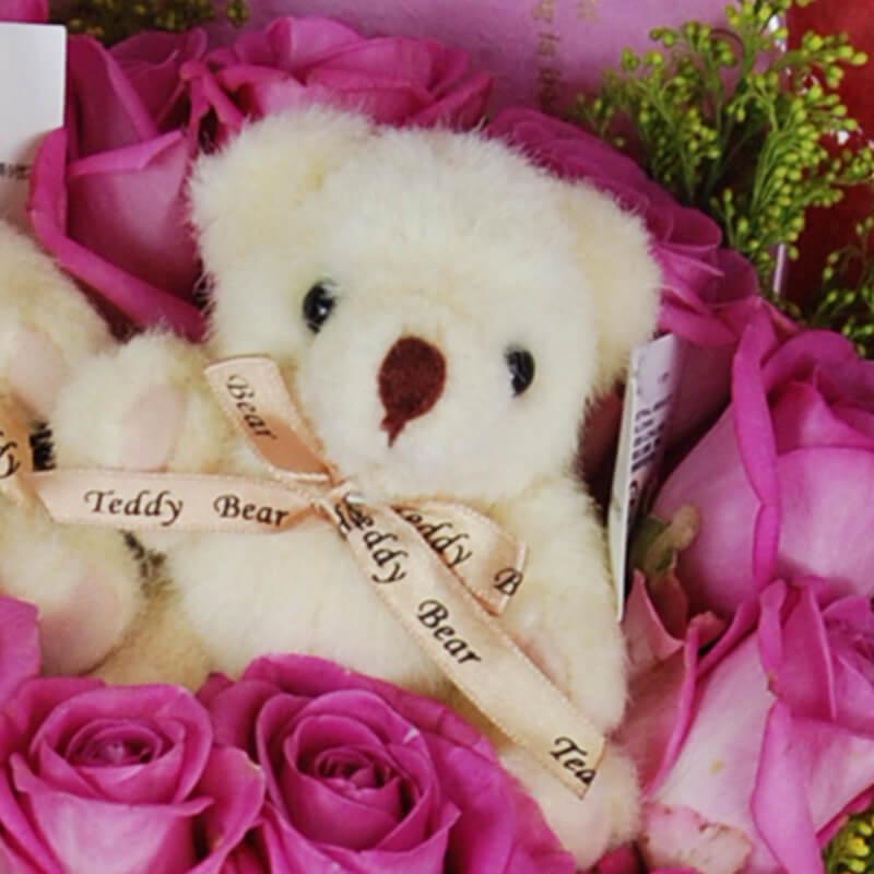 【巧繪網—浪漫傳情花束】FR040071妳在我心裡‧20朵紫天王玫瑰 ‧2隻六吋可愛小熊